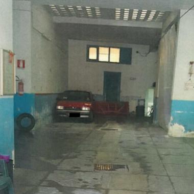 Polizia Municipale - Sequestrate due autorimesse abusive
